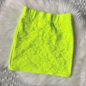 (🌸2/$25🌸) Bright neon yellow mini skirt